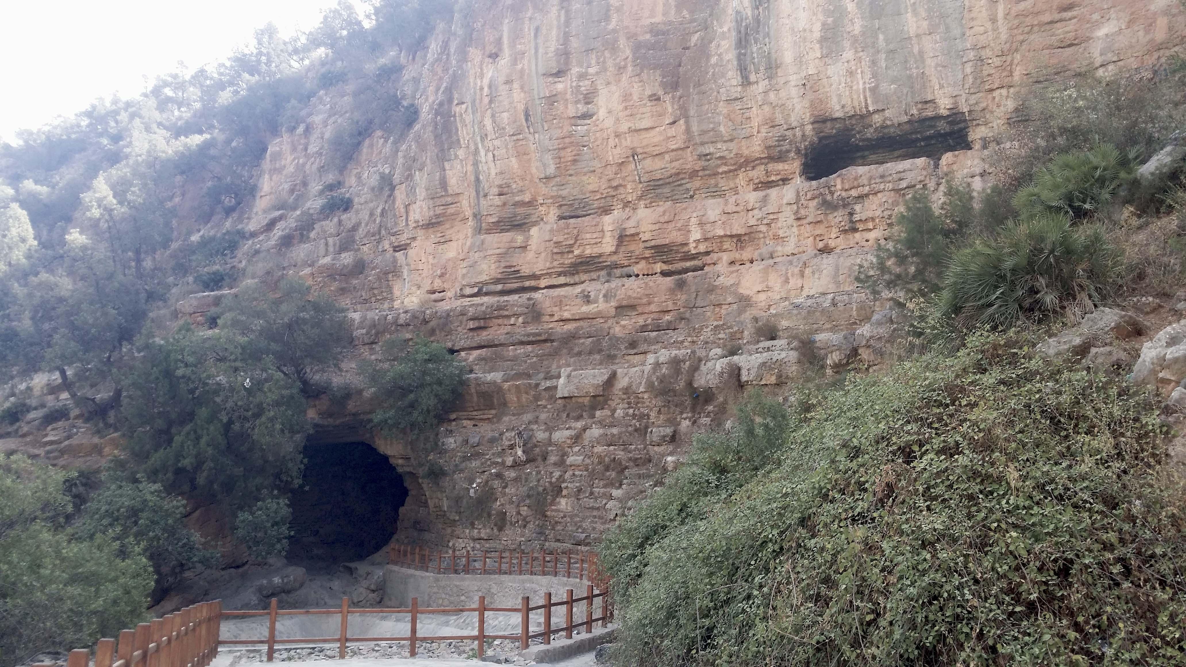 Grotte du Chameau, Zegzel.